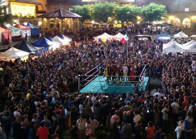 Show de lucha libre ante 900 personas en el Poble Espanyol, para celebrar el día nacional de México 2017.